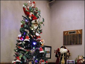 The Andersons, Inc./Toledo Seagate Food Bank tree.