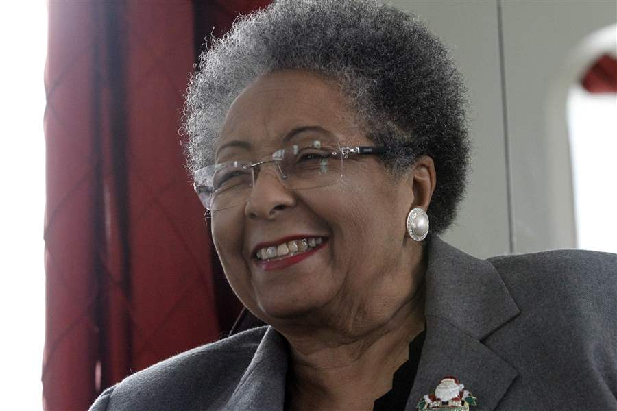 1st-female-leader-of-council-stepping-down