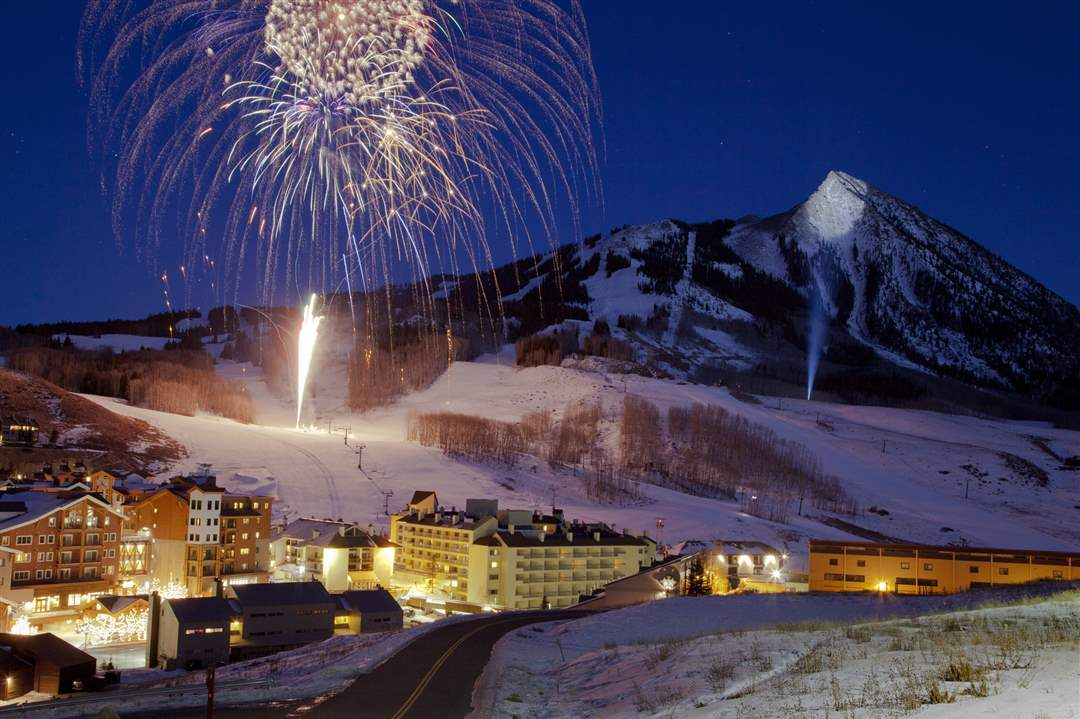 New-Year-Fireworks-Crested-Butte