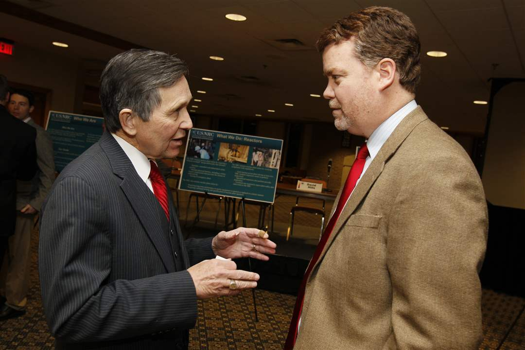 kucinich-speaks-with-first-energy-vp