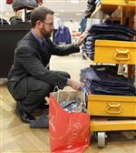 Holiday-discounts-leave-retailers-with-thin-profits
