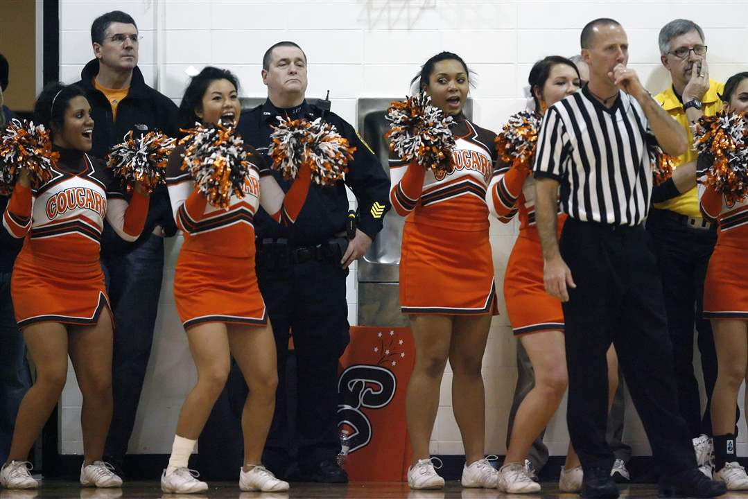 Southview-cheerleaders-get-excited