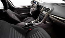 Interior-of-ford-fusion-hybrid-01-09-2013