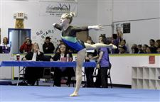 raeann-isaac-performs-at-gymnastics-01-09-2012