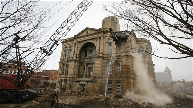 courthouse demolition seneca The Seneca County Courthouse in Tiffin, Ohio,  is being demolished.