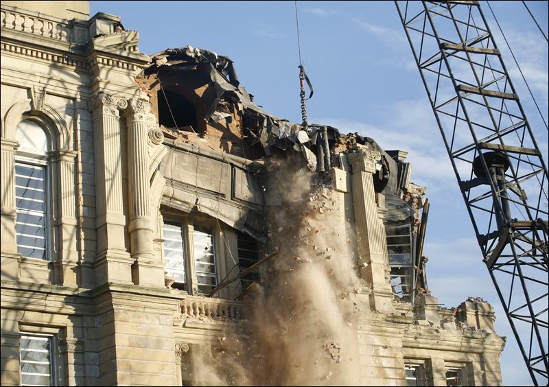 Wrecking Ball Demolition : Toledo blade