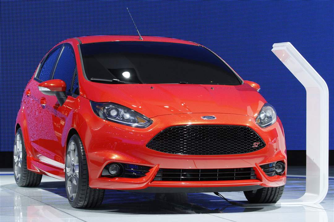 2013-Ford-Fiesta-ST-concept-vehicle