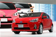 Auto-Show-Hot-Wheels-Prius-c