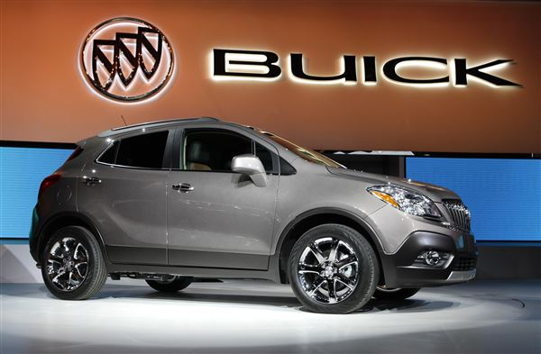 buick encore small crossover suv goes upscale the blade. Black Bedroom Furniture Sets. Home Design Ideas