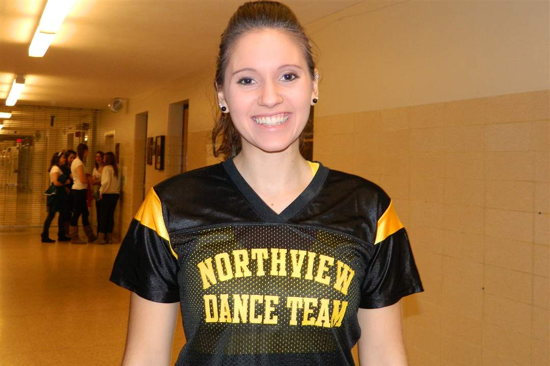 dance-team-senior-bihn