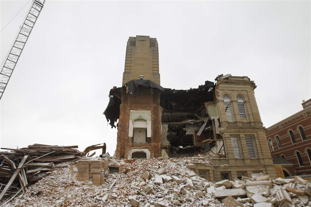 courthouse-demolition-1-19