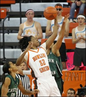 Bowling Green's Alexis Rogers glides through the Eastern Michigan defense. The sophomore scored a career-high 30 points.