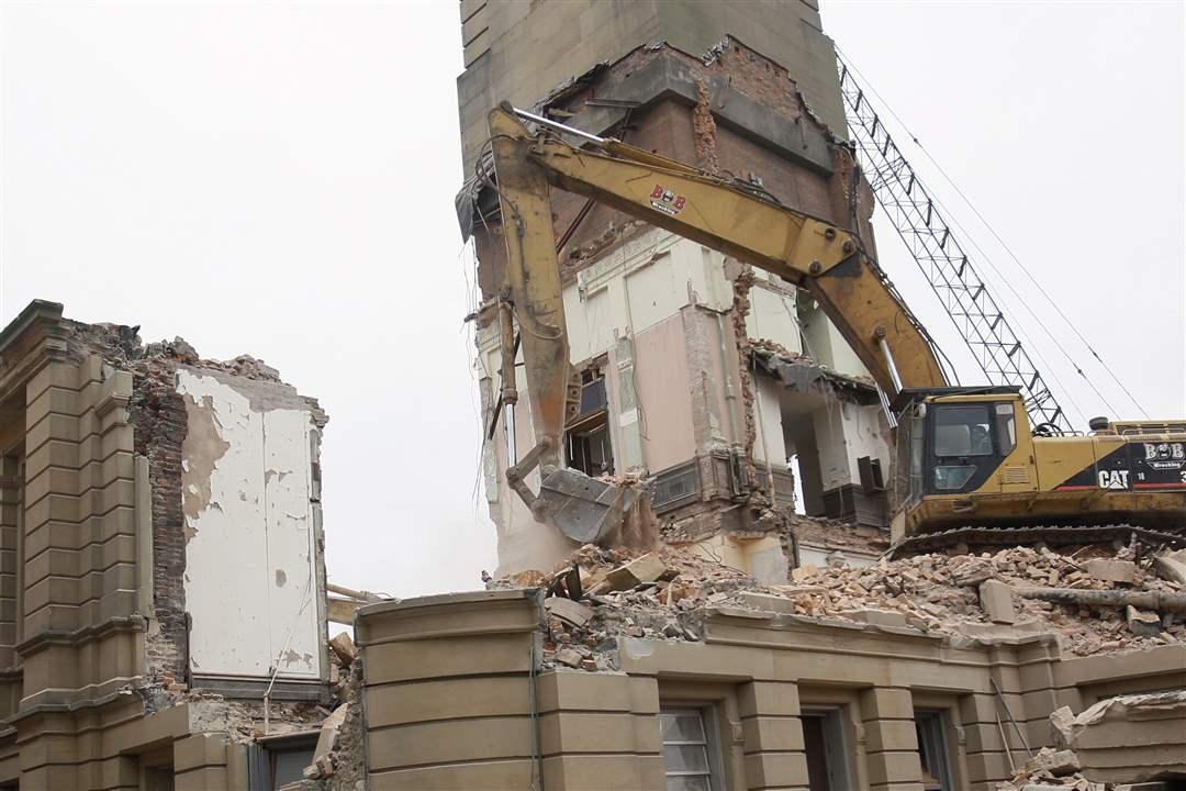 courthouse-demolition-1-25