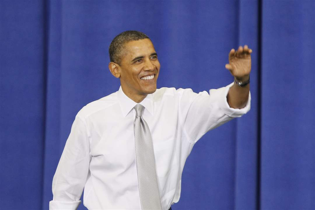 obama-waves-to-crowd-1