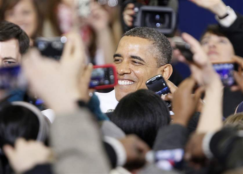 President-Barack-Obama-greets-the-crowd