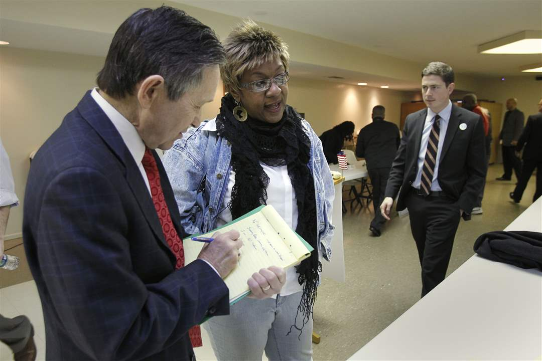 9th-Congressional-District-candidate-Dennis-Kucinich-speaks-with-Toledoan-Yvonne-Harper