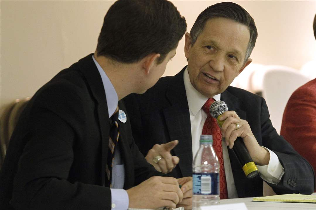 9th-Congressional-District-candidates-Graham-Veysey-left-and-Dennis-Kucinich-debate