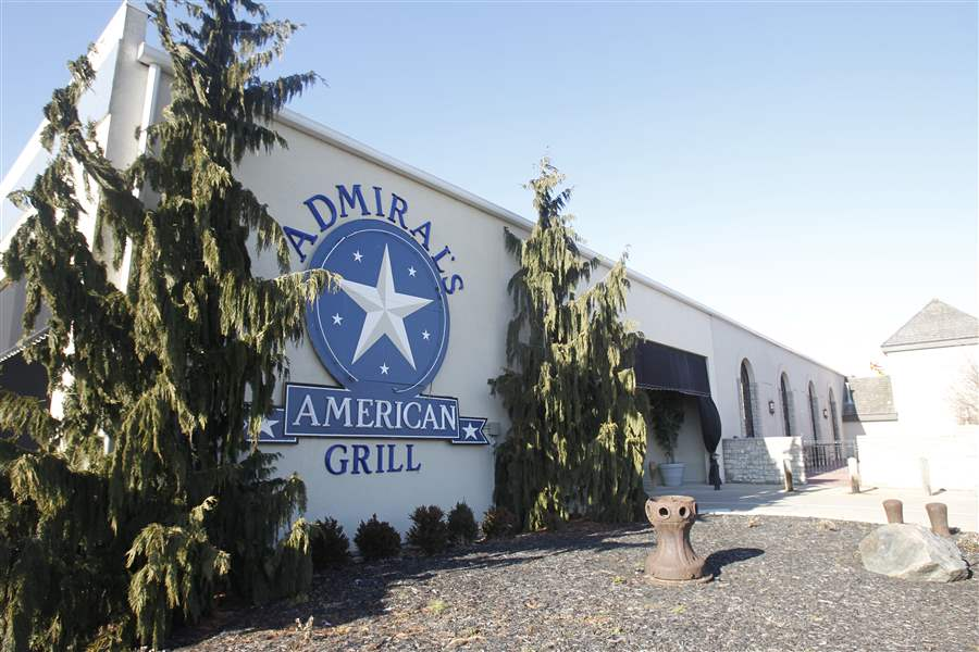 Exterior-of-admirals-american-grill