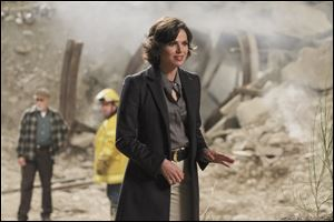 Lana Parrilla plays dual roles in 'Once Upon a Time': the Evil Queen and Regina, the heartless mayor.
