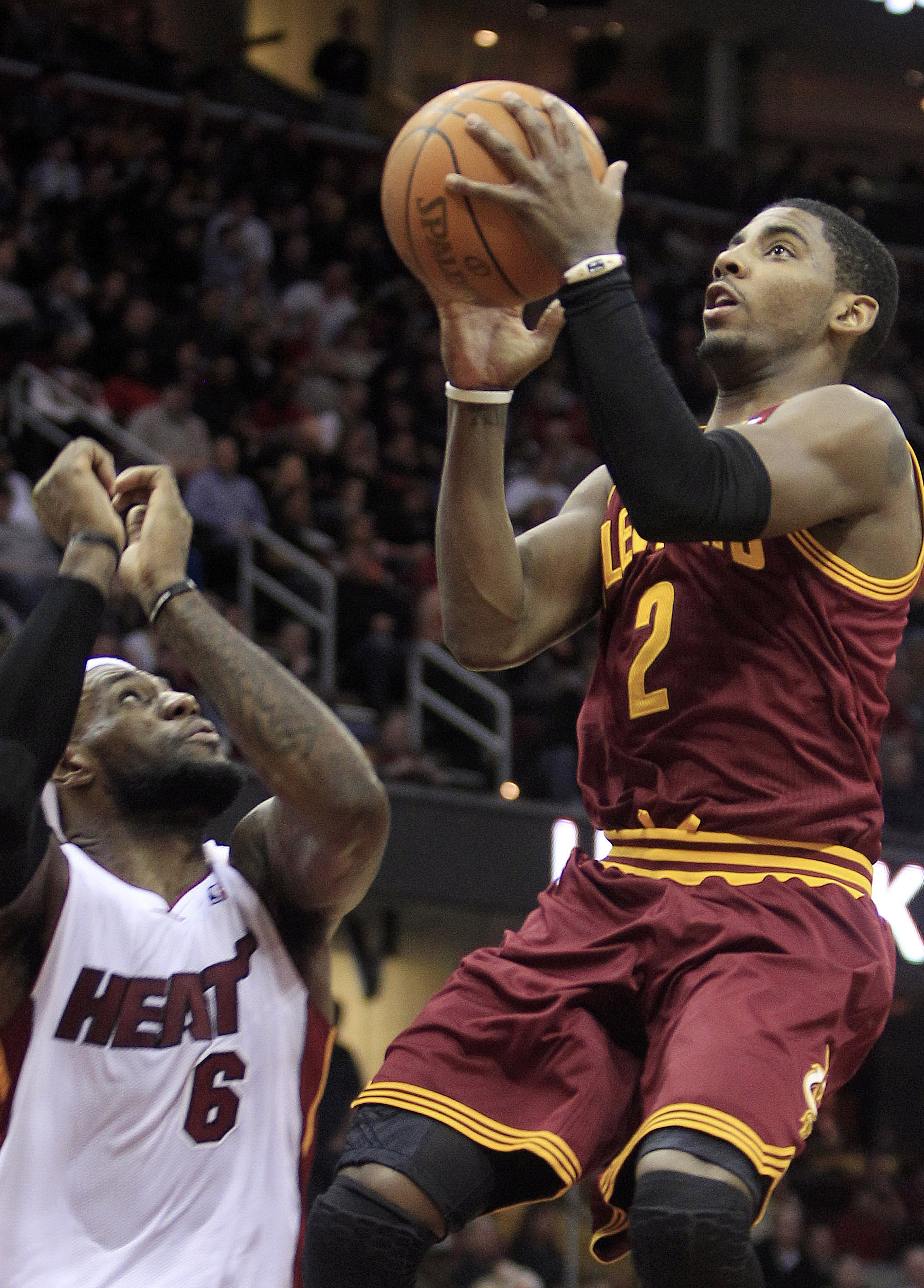 Cavs News >> LeBron scores 28 to help Heat thump Cavaliers - The Blade
