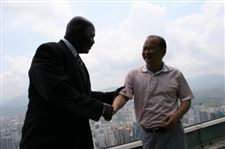 Toledo-Mayor-Mike-Bell-Chinese-developer-Wu-Kin-Hung-Shenzhen-China