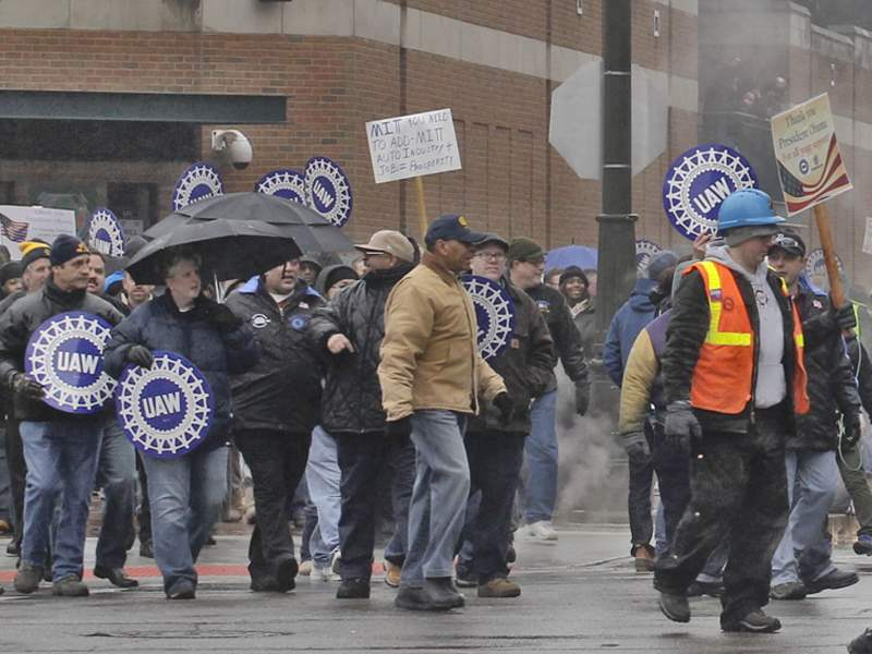 Romney-protest-Ford-Field-UAW-4x3