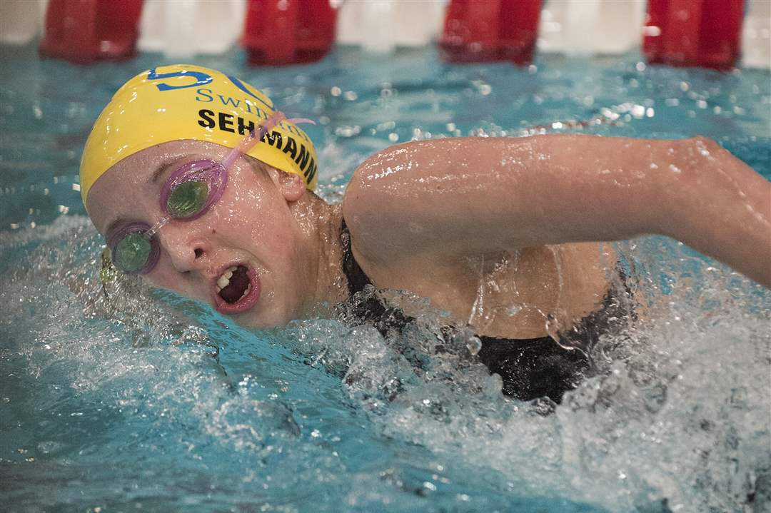 Emmy-Sehmann-of-Toledo-St-Ursula-Academy-swims-a-lap-during-the-consolation-round-of-the-Women-s-500-yard-Freestyle