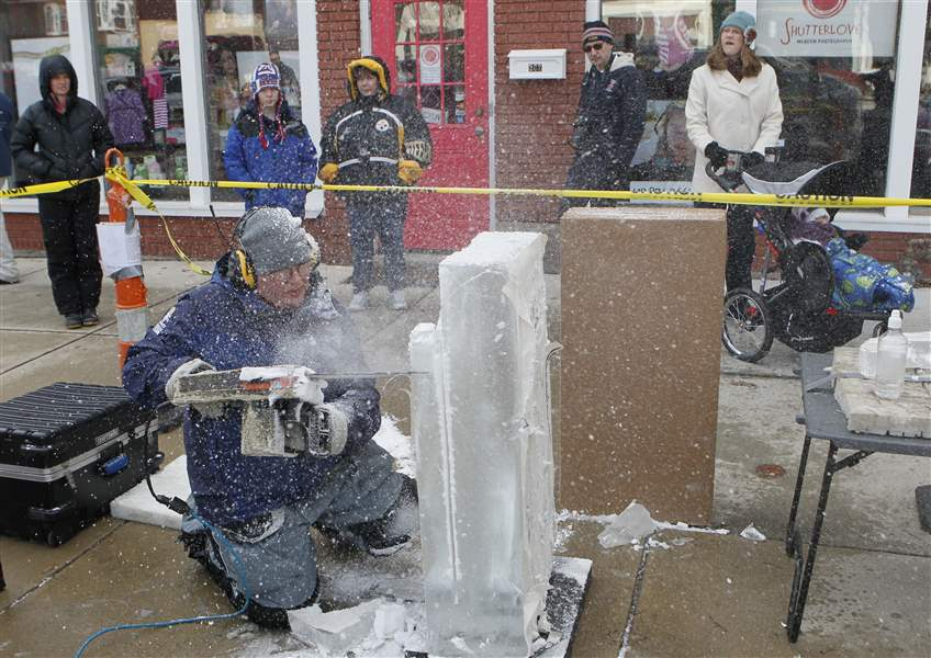 Ice-sliced-into-cool-pieces-of-art-during-WinterFest-competition