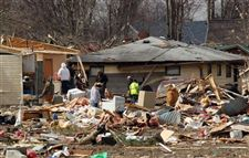 Severe-Weather-Holton-Indiana-wreckage