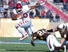 New-Mexico-Bowl-Wyoming-Temple-Football