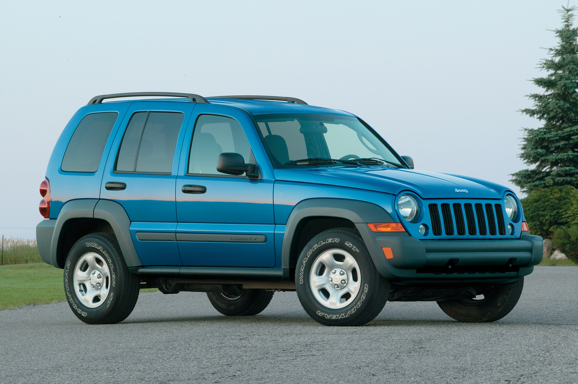 chrysler recalls 210 000 jeep suvs for corrosion issue. Black Bedroom Furniture Sets. Home Design Ideas