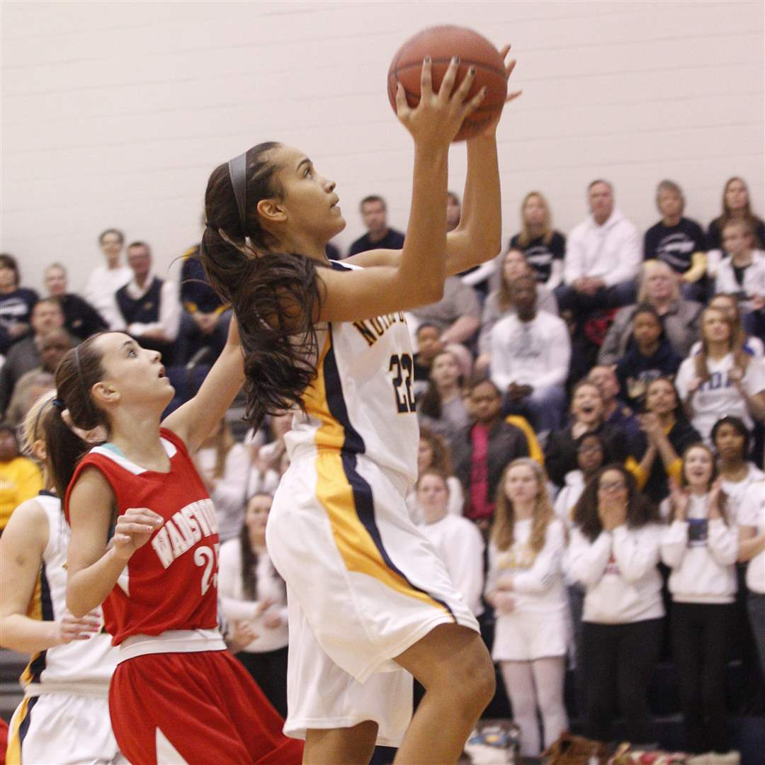 Notre-Dame-s-Jayda-Worthy-gets-in-front-of-Wadsworth-defender