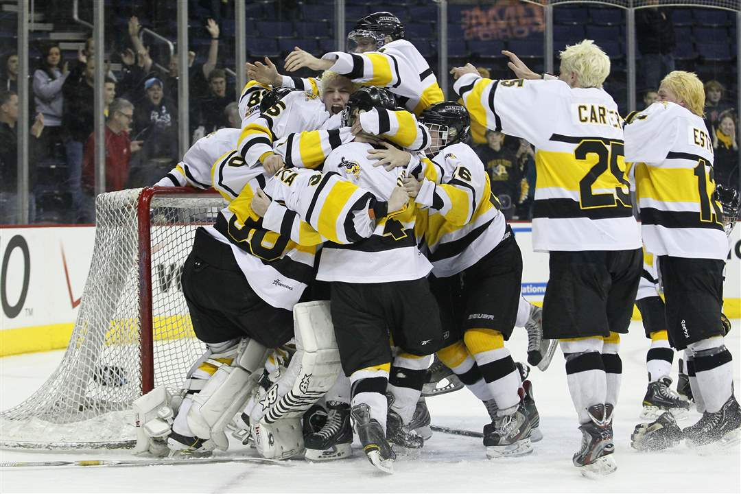 Northview-hockey-players-joyful-after-title
