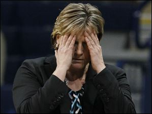 UT Coach Tricia Cullop during the first half.