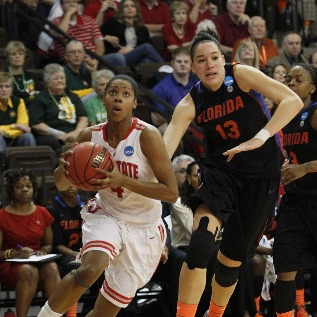 Ohio-State-Tayler-Hill-goes-past-Florida-defender-Azania-Stewart