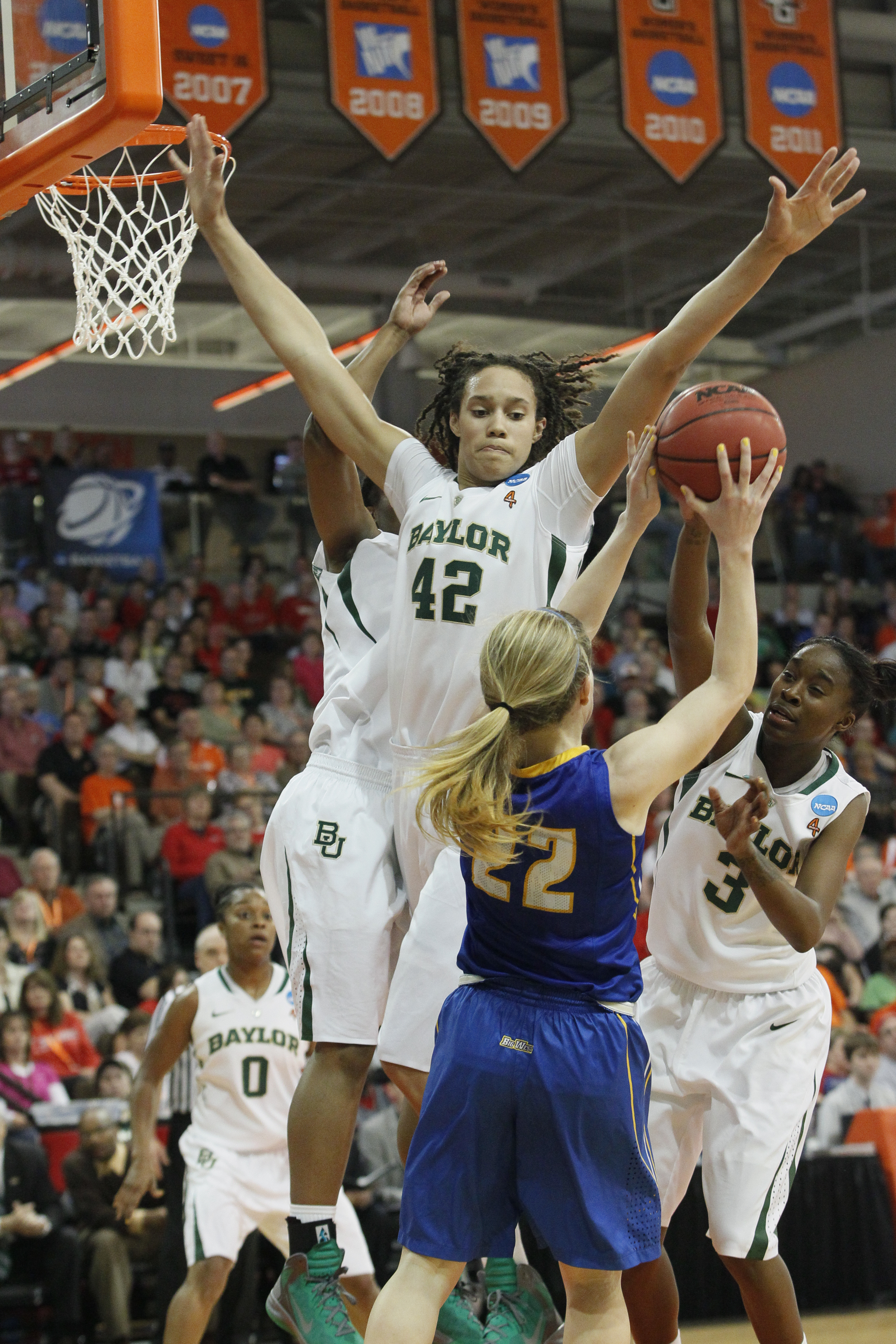 Basketball Players: Griner, No. 1 Bears Roll Over Gauchos