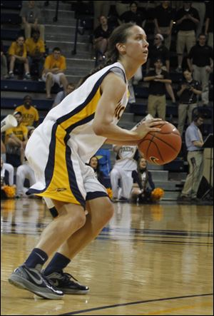 Courtney Ingersoll made six of nine 3-pointers and led the Rockets with a career-high 24 points.