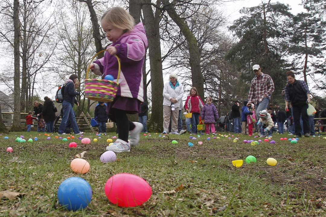 Olander-Park-Easter-Egg-Hunt-Crowd
