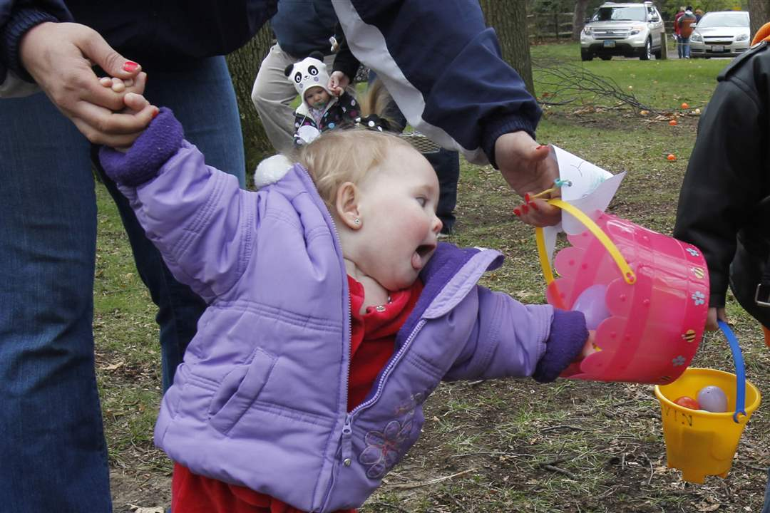 Olander-Park-Easter-Egg-Hunt-Layla-Smith