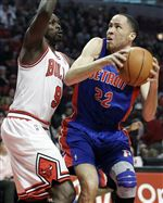 Injured-Rose-watches-but-Bulls-top-Pistons