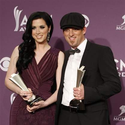 2012-ACM-Awards-Press-Room-Thomson-Square-duo-of-year