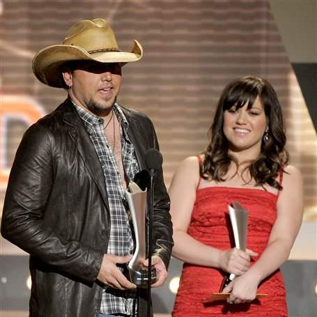 2012-ACM-Awards-Show-Jason-Aldean-Kelly-Clarkson