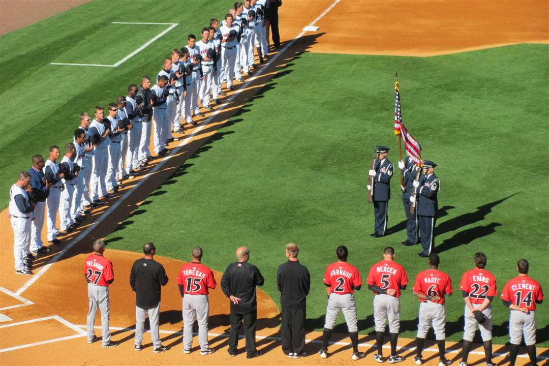 Hens-Indians-national-anthem