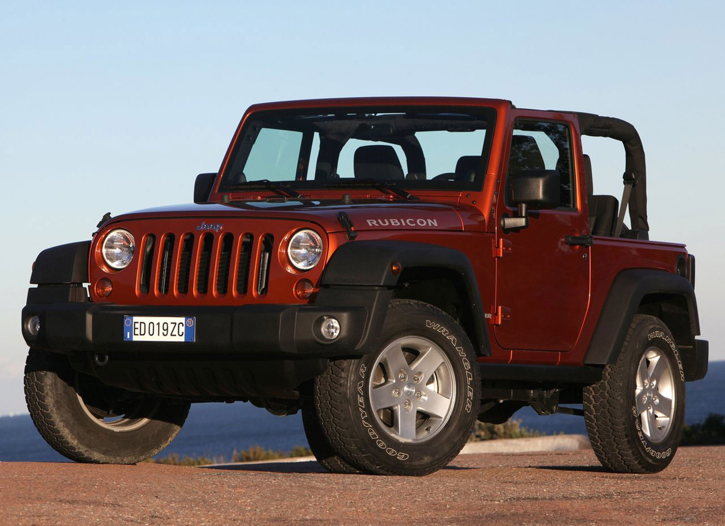 feds expand jeep wrangler fire probe to 6 model years seek info on 2007 to 2012 vehicles the. Black Bedroom Furniture Sets. Home Design Ideas