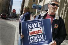 Dennis-Carman-usps-rally