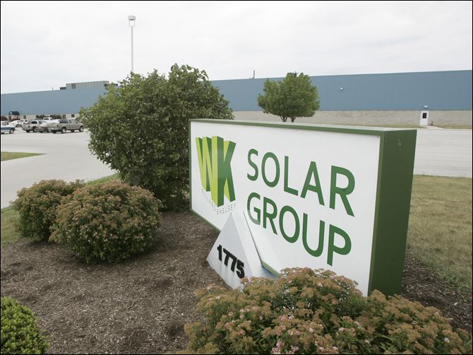 Execs lent to selves at solar firm Most employees at the Perrysburg company have been laid off.