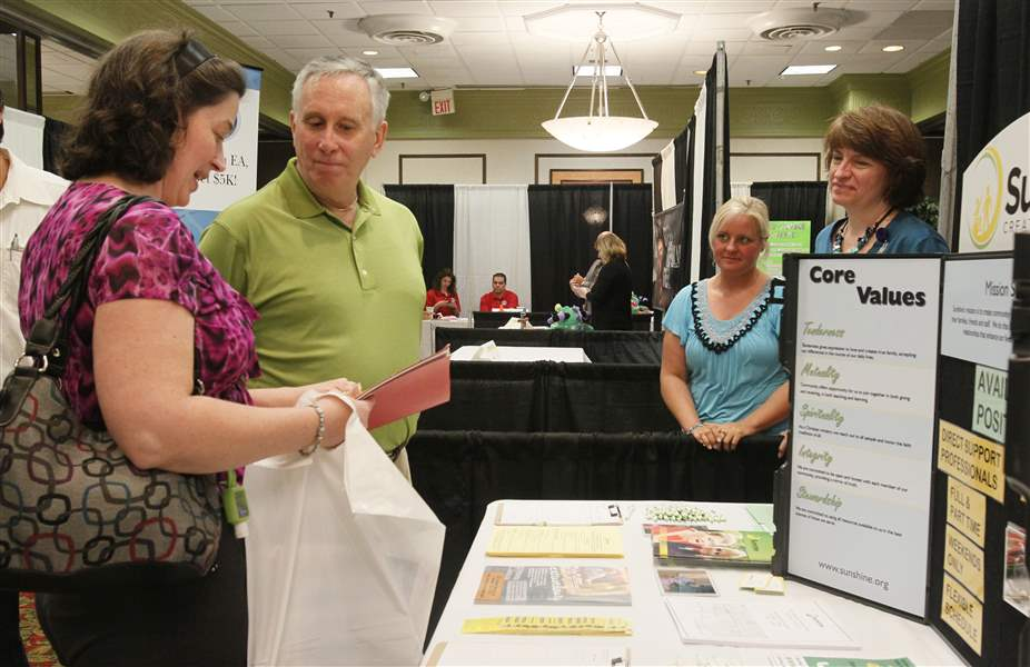 Job-fair-draws-400-to-Perrysburg-venue-2