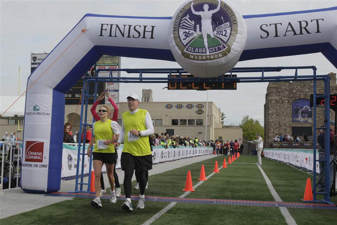 Shannon-and-Bill-Sanford-half-marathon