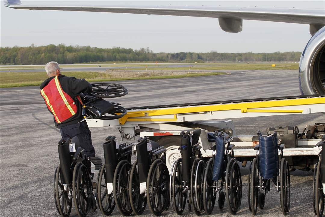 wheelchairs-loaded-honor-flight