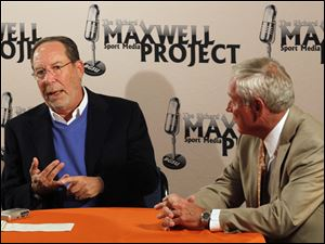 Ed Goren, vice chairman of Fox Sports, left, with Richard Maxwell, a 1970 Bowling Green State University graduate and former NFL senior director of broadcasting, speak Wednesday to BGSU students.